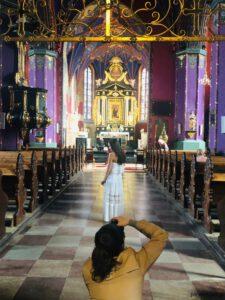 Niesamowite kolory bydgoskiej katedry urzekają turystów