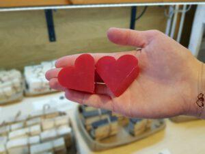 Mydlane serca w Muzeum Mydła i Historii Brudu